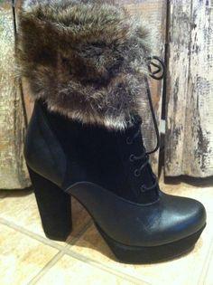 Spazio Moda leather boots in black