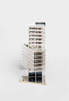 Offices, Rehabilitation and Expansion of a High Rise Building | BRUTHER