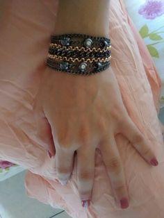Bracelete Metal correntes Ônix/rose  Vendas: whatsapp: 317300-4489 http://instagram.com/petalasdemaria