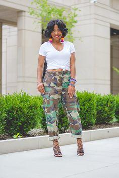 Camo Pants, White vneck shirt, Camo Outfit Idea, Indianapolis Fashion Blogger, Indiana fashion blog, sweenee Style, white tee