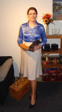 Secretary or librarian? Pleated Skirt Outfit, Pencil Skirt Outfits, Bustier Dress, Pencil Skirt Black, Blouse And Skirt, Dress Skirt, Corset Dresses, Pencil Skirts, Sixties Fashion