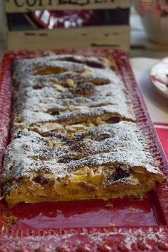 Fall Desserts, Delicious Desserts, Yummy Food, Portuguese Tarts, Tiramisu Trifle, Mousse, Sweet Pie, Cupcakes, Pound Cake Recipes