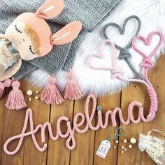 Angelina e corações