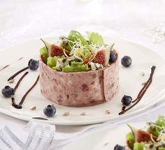Charcuterie de marcassin et salade fruitée