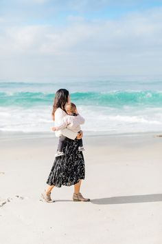Stretch Marks During Pregnancy, I Love The Beach, Natural Light Photography, First Birthday Photos, Engagement Pictures, Family Photographer, Family Photos, Maternity, Korean