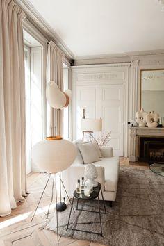 Salon Maison Hand Luminaire Noguchi Tapis berbère Table Noguchi Pierre Emmanuel...