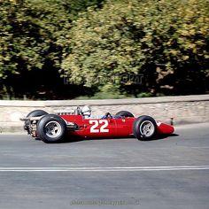 Syracuse, Sicily, Italy. 1 May 1966. John Surtees (Ferrari 312), 1st position