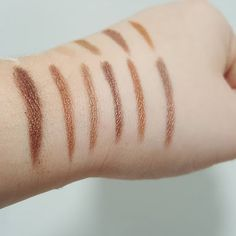 Liberdade Negra: Maquilhagem Low Cost - Makeup Revolution - Review Redemption Palette Essential Shimmers