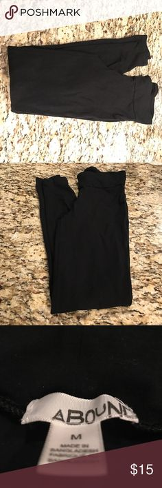 Black leggings Brand: Abound size: medium. Great condition. Barely used. Pants Leggings