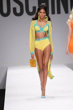 19- Moschino Spring/Summer 2015 Fashion Show