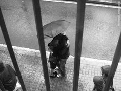 Lovers in the rain by Francesco Imperato Photos ©, via Flickr