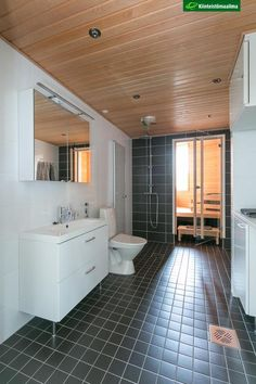Kiinteistömaailma Sauna Room, Helsinki, Alcove, Bathtub, Bathroom, Home, Standing Bath, Washroom, Bathtubs