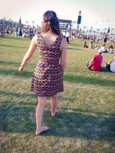 Coachella day 3 #Ajuar #Porte #OddCatrina #DailyOutfit Con B de vintage: Lentes Ray-Ban Pret à porter:  Vestido de flores Mi armario: Diadema de flores que encontré en la última edición del bazar