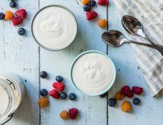Skip the grocery store shelves and make a DIY Coconut Cashew Yogurt at home. This coconut cashew yogurt recipe is calling your name. If you have a yogurt make Vegan Dishes, Vegan Food, Vegan Snacks, Yummy Snacks, Raw Vegan, Healthy Food, Vegan Breakfast Recipes, Raw Food Recipes, Vegetarian Recipes