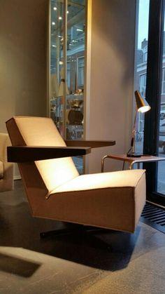 pressroom chair designed by gerrit rietveld   www.bijdendom.nl