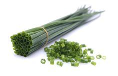 How to Cut Chives Way Down for New Growth