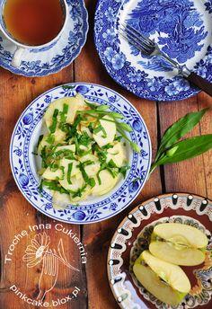 Wild garlic & apple salad  Surówka z jabłka i czosnku niedźwiedziego