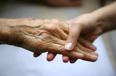 New report reveals 1 in 3 seniors dies with Alzheimer's or another dementia