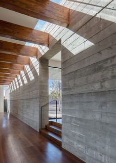 Sundial House is a concrete Santa Fe home completed in 2017 by American studio Specht Architects. This ridgetop house in Santa Fe is . Architecture Design, Concrete Architecture, Concrete Houses, Concrete Wood, Board Formed Concrete, Concrete Cladding, Santa Fe, Concrete Interiors, Mexico House