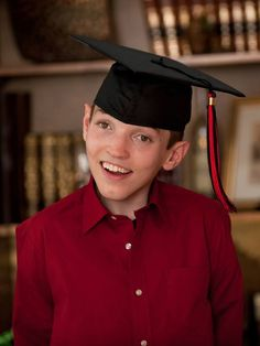 Please join us as we congratulate Justin Sachs upon his graduation from Katherine Thomas High School!   Always with a twinkle in his eye and a interminable smile on his lips, Camp Simcha Special superstar Justin has shown us that not even Familial dysautonomia can stand in the way of his charm and perseverance.
