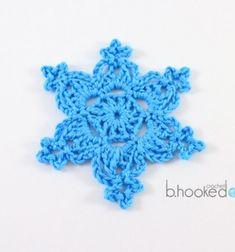 Crochet Snowflakes - Free Pattern and Video Tutorial Free Crochet Snowflake Patterns, Crochet Stars, Christmas Crochet Patterns, Holiday Crochet, Crochet Snowflakes, Thread Crochet, Crochet Gifts, Crochet Motif, Crochet Flowers