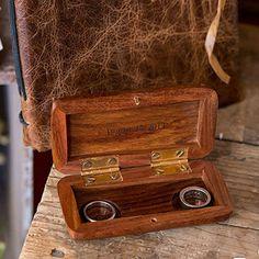 Boîte à alliance en bois à personnaliser - http://www.instemporel.com/s/12597_216332_boite-alliance-en-bois-a-personnaliser #wedding