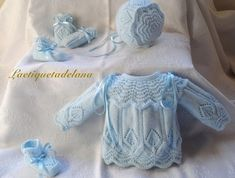 Laetiquetadelana Tutorials: booties for babies Knitting For Kids, Baby Knitting Patterns, Baby Patterns, Baby Coat, Knitted Coat, Baby Cardigan, Baby Boutique, Cute Baby Clothes, Baby Sweaters