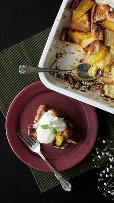 How to make Orange Bread Pudding. Donut Recipes, Pudding Recipes, Brunch Recipes, Dessert Recipes, Cooking Recipes, Best Cinnamon Rolls, Cinnamon Bread, Good Food, Yummy Food