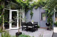 Walled backyard at the nostalgic house in The Hague. With [winter]green trees … - Garden Design Outdoor Rooms, Garden Furniture, Garden Design, Garden Spaces, Garden Room, Diy Outdoor, Small Garden, Home And Garden