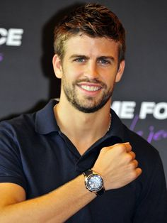 Gerard Pique (Barcelona and Spanish Soccer Team) Pique Barcelona, Fc Barcelona, Beautiful Men Faces, Gorgeous Men, Beautiful People, Brody Jenner Shirtless, Soccer Players, Soccer Guys, Athletic Men