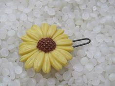 vintage barrette yellow daisy sunflower by rosebudcottage