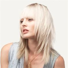 2012 Best New Hair Styles Simple Yet Elegant By Zenagen Great Hairstyles, Fringe Hairstyles, Hairstyles Haircuts, Cut Her Hair, Hair Cuts, Rocker Hair, New Hair Do, Stylish Haircuts, Toni And Guy