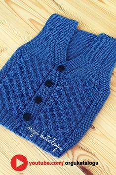 Let's learn together your own fashion accessories, basic and other creative points, techniques and tips to learn or develop the art of crochet and kni. Baby Knitting Patterns, Baby Cardigan Knitting Pattern Free, Baby Hats Knitting, Vest Pattern, Knit Vest, Vintage Girls Dresses, Vintage Dress Patterns, Baby Boy Vest, Baby Boys