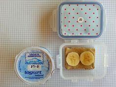 día13 En casa: leche con copos de avena En la guarde: yogur natural y tostada integral con tahín y plátano