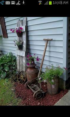 Pretty corner flower bed …