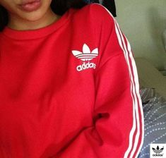 Adidas Women Shoes - Adidas Fashion Print Pullover Tops Sweater Sweatshirts - We reveal the news in sneakers for spring summer 2017 Sweat Adidas, Red Adidas Sweatshirt, Adidas Jacket, Adidas Mode, T Shirt Pink, Pink Jumper, Adidas Shoes Women, Adidas Fashion, Adidas Outfit