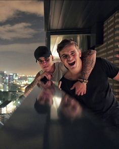 Martin Garrix and Justin Bieber Zac Efron, Justin Bieber Smile, Justin Bieber Company, Selena And Taylor, Best Dj, Progressive House, Celebrity Crush, My Idol, Actors & Actresses