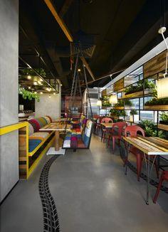 Google 9 328 JS Cafe 09 700x969 Googles Kuala Lumpur Offices / M Moser Associates