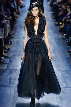 Paris Fashion Week : Christian Dior dans tous les tons de bleu - Actualité : Défilés (#800625)