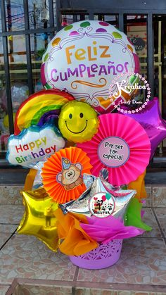 Balloon Arrangements, Balloon Centerpieces, Balloon Decorations Party, Birthday Party Decorations, Lollipop Birthday, Birthday Bouquet, Birthday Balloons, Balloon Shop, Balloon Gift