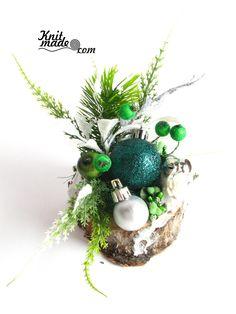 My florist work - New Year's emerald and silver composition #knitmade #knitmadeflowers #knitmadenews #emerald #newyear #christmas #silver