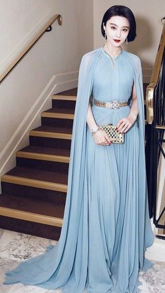 Fan Bingbing in Elie Saab Couture attends the edition of the Cannes Film Festival. Petite Evening Dresses, Evening Gowns, Elegant Dresses, Nice Dresses, Prom Dresses, Red Carpet Dresses, Red Carpet Fashion, Beautiful Gowns, Classy Outfits