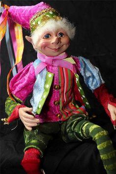 New Santa Raz Elf Christmas Ornament Figurine Doll Poseable Pink A by Raz Elf Me, The Elf, Santa Christmas, Christmas Ornaments, Christmas Ideas, Disney Christmas Decorations, Elves And Fairies, Happy Colors, Winter Wonderland