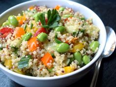 THE SIMPLE VEGANISTA: Garden Quinoa Salad w/ Zesty Garlic Dressing - use beans instead of edamame