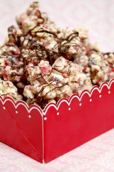 Cinnamon Cookie Crunch Popcorn. I wanna try this!! Sounds good!