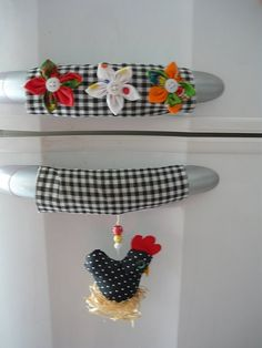 - sew - for the doors and drawers handlesExplore * Márcia Oliveira *'sArt and Craft Ideas Fabric Crafts, Sewing Crafts, Sewing Projects, Projects To Try, Fridge Handle Covers, Chicken Crafts, Creation Deco, Chickens And Roosters, Love Sewing