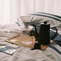 Good morning! Too lazy to get up for a coffee? #kurasugoods always has you covered with the best Japanese coffee home brew gear at http://ift.tt/2dE4OWT Still want to get up? #KurasuKyoto is always open from 8am