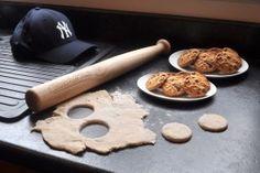Deegroller Honkbalknuppel van Suck UK Sla je slag en begin met koekjes maken! #kookcadeau #deegroller #deeg #cadeau #moederdag #sinterklaascadeau #kerstcadeau