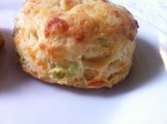 Garlic and Cheddar Biscuits! Via the hungry homemaker blog