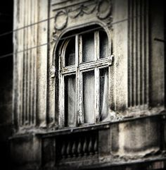 window detail by Vesna S. Disić -  Click on the image to enlarge.